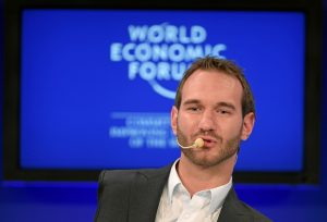 Nick_Vujicic_at_the_World_Economic_Forum_Annual_Meeting,_Davos,_Switzerland_-_20110130